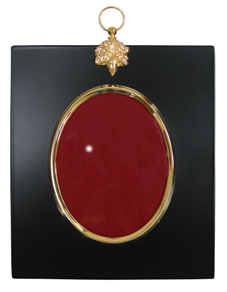 this slightly larger traditional acorn portrait frame is finished in matt black to simulate the traditional papier mache it is finished with a gold - Miniature Frames
